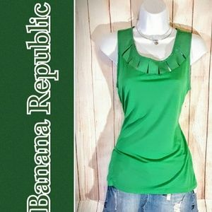 BANANA REPUBLIC Green Tank top with keyhole slits